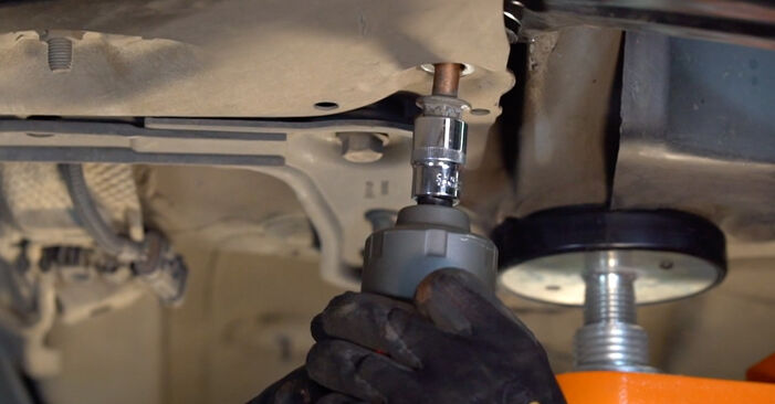 How to replace RENAULT MEGANE II Saloon (LM0/1_) 1.6 2002 Control Arm - step-by-step manuals and video guides