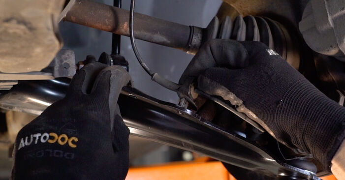 RENAULT MEGANE II Saloon (LM0/1_) 1.9 dCi 2003 Control Arm replacement: free workshop manuals