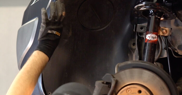 Changing Control Arm on RENAULT MEGANE II Saloon (LM0/1_) 1.5 dCi (LM02, LM13, LM2A) 2004 by yourself