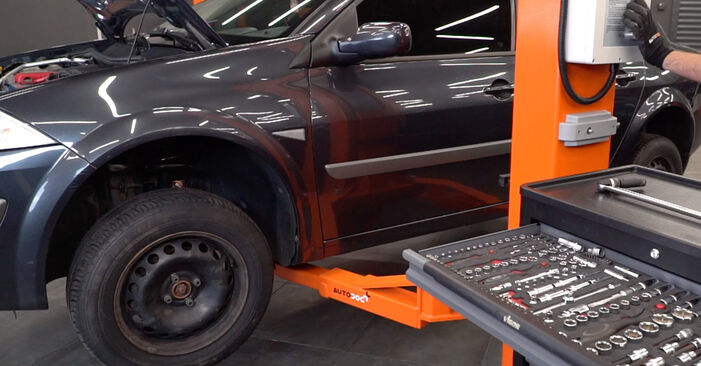How to remove RENAULT MEGANE 1.4 2005 Control Arm - online easy-to-follow instructions
