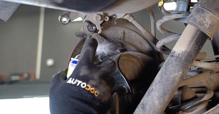MEGANE II Saloon (LM0/1_) 1.4 2012 Brake Pads DIY replacement workshop manual