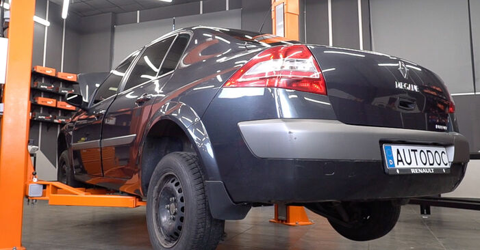 Changing Brake Pads on RENAULT MEGANE II Saloon (LM0/1_) 1.5 dCi (LM02, LM13, LM2A) 2004 by yourself