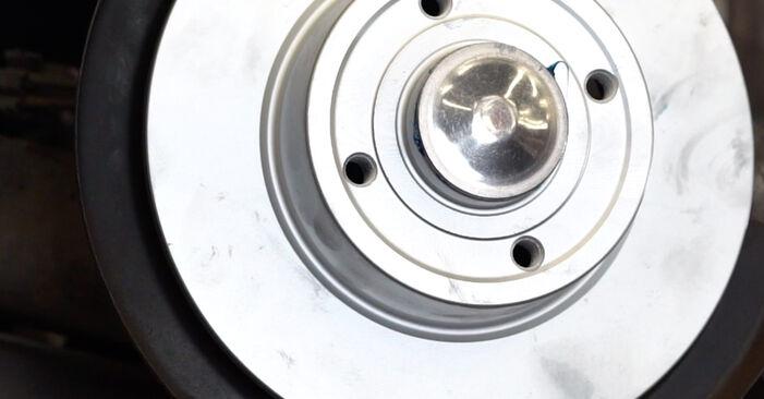 Bremsscheiben am RENAULT MEGANE II Stufenheck (LM0/1_) 1.5 dCi (LM0F, LM0T, LM2B) 2006 wechseln – Laden Sie sich PDF-Handbücher und Videoanleitungen herunter