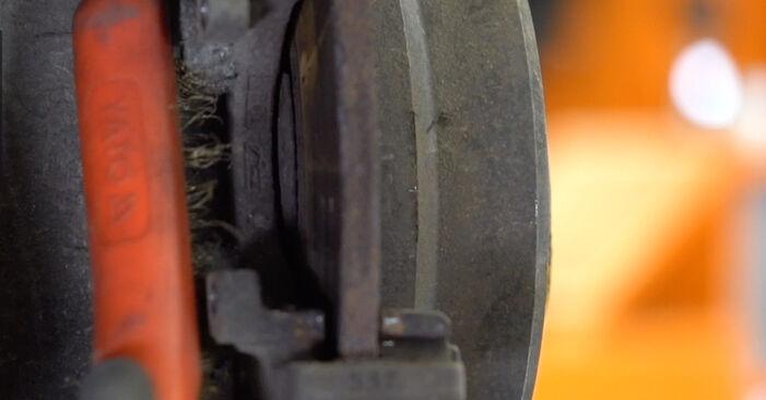 Cambio Discos de Freno en BMW X5 (E53) 4.4 i 2006 ya no es un problema con nuestro tutorial paso a paso