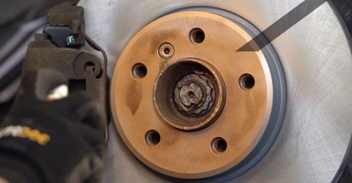 Changer Disques De Frein sur BMW X5 (E53) 4.6 is 2003 par vous-même