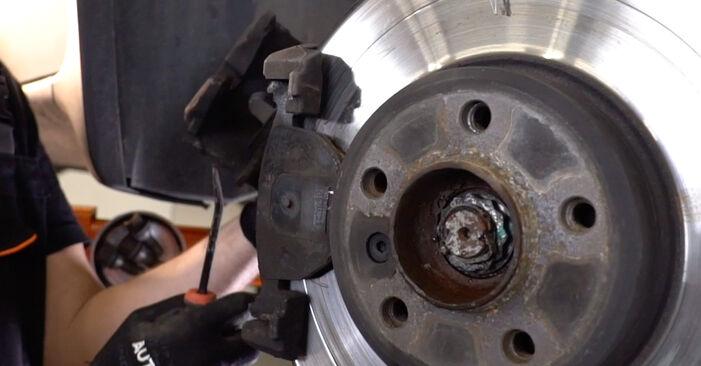 Schritt-für-Schritt-Tutorial zum eigenständigen Austausch von BMW E53 2005 4.8 is Bremsbeläge