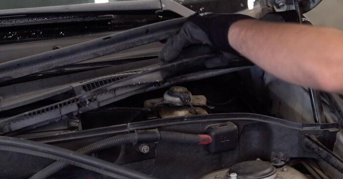 BMW E53 3.0 i 2002 Bremsbeläge wechseln: Gratis Reparaturanleitungen