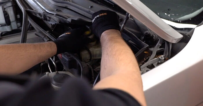 Changing Brake Pads on BMW X5 (E53) 4.6 is 2003 by yourself