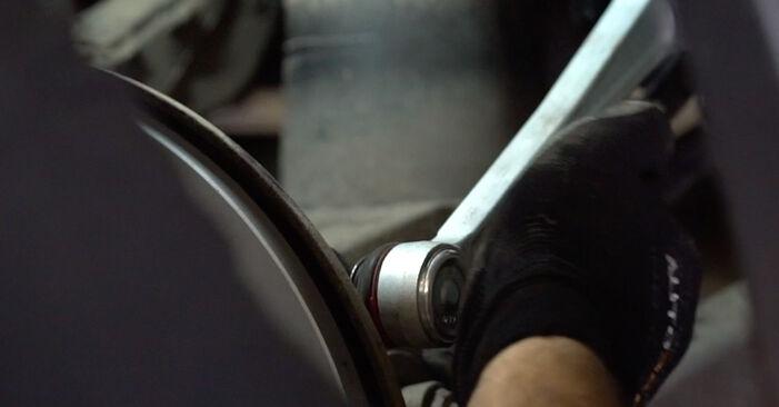 Cum schimbare Brat Suspensie la BMW E53 2000 - manualele în format PDF și video gratuite