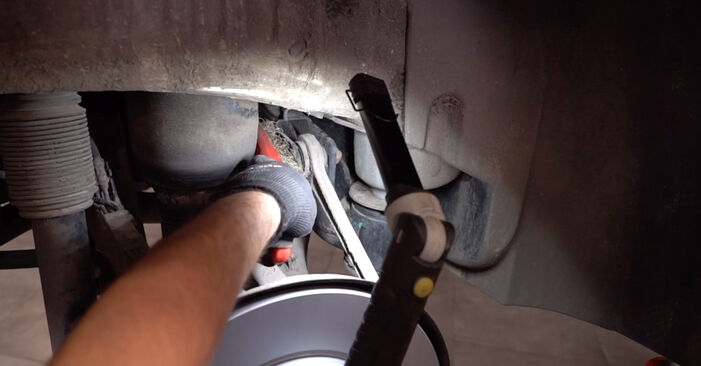 Cât de greu este să o faceți singur: înlocuirea Brat Suspensie la BMW E53 3.0 i 2006 - descărcați ghidul ilustrat