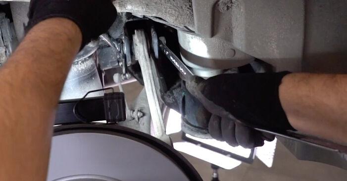 Înlocuirea BMW X5 4.6 is Brat Suspensie: ghidurile online și tutorialele video