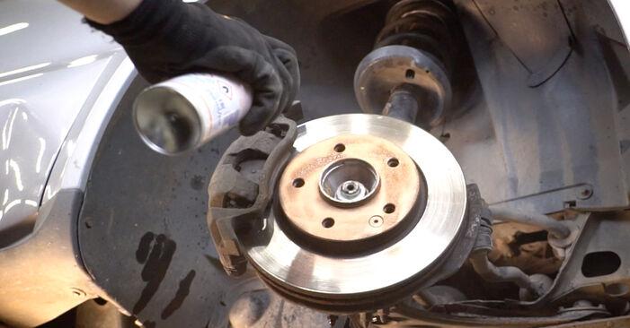 Ar sudėtinga pasidaryti pačiam: Mercedes W168 A 160 CDI 1.7 (168.006) 2003 Amortizatoriaus Atraminis Guolis keitimas - atsisiųskite iliustruotą instrukciją