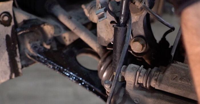 Stap voor stap tips om Mercedes W168 2002 A 190 1.9 (168.032, 168.132) Remslang zelf te wisselen