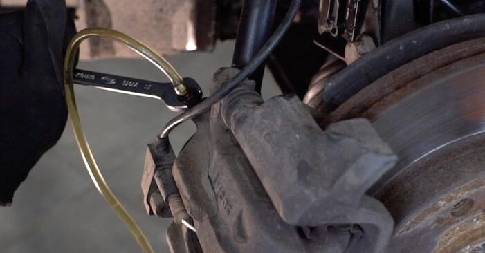 Hoe moeilijk is doe-het-zelf: Remslang wisselen Mercedes W168 A 160 CDI 1.7 (168.006) 2003 – download geïllustreerde instructies