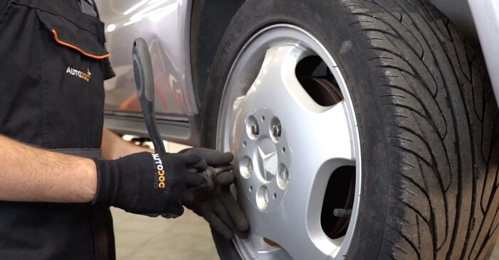 How to remove MERCEDES-BENZ A-CLASS A 190 1.9 (168.032, 168.132) 2001 Brake Hose - online easy-to-follow instructions