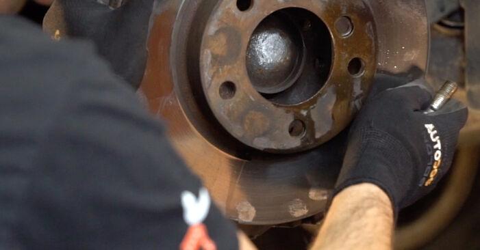 Bremsscheiben BMW e46 Cabrio 325Ci 2.5 2000 wechseln: Kostenlose Reparaturhandbücher