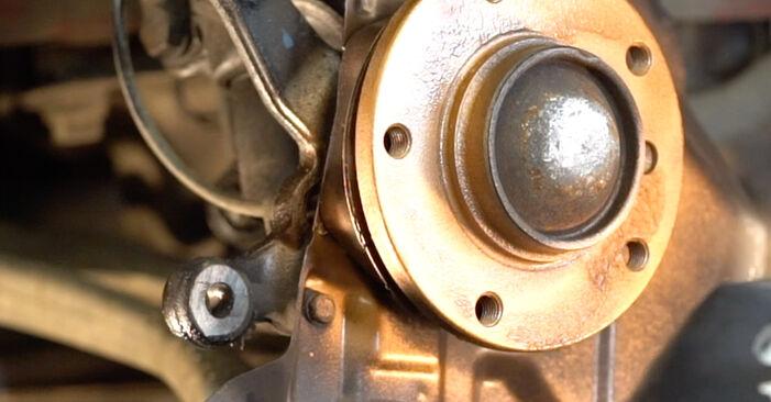 Wechseln Bremsscheiben am BMW 3 Cabrio (E46) 318Ci 2.0 2001 selber