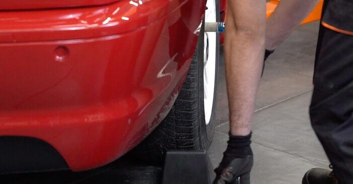 Jak wymienić BMW 3 Cabrio (E46) 330Ci 3.0 1999 Tarcza hamulcowa - instrukcje krok po kroku i filmiki instruktażowe