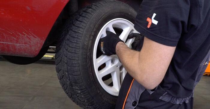 Jak wymienić Tarcza hamulcowa w BMW 3 Cabrio (E46) 2003: pobierz instrukcje PDF i instrukcje wideo