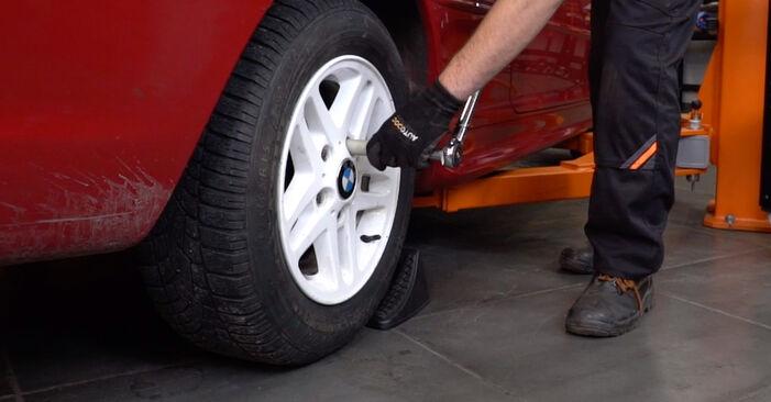 BMW 3 SERIES 2005 Tarcza hamulcowa instrukcja wymiany krok po kroku