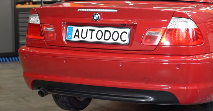 Wymień samodzielnie Tarcza hamulcowa w BMW 3 Cabrio (E46) 318Ci 2.0 2001