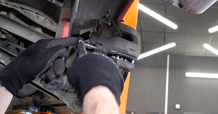 Changing Brake Pads on BMW 3 Convertible (E46) 318Ci 2.0 2001 by yourself