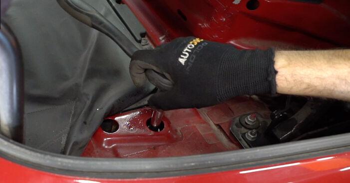 Recommandations étape par étape pour remplacer soi-même BMW 3 Convertible (E46) 2003 323Ci 2.5 Coupelle d'Amortisseur