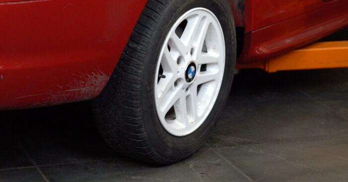 Comment remplacer Coupelle d'Amortisseur sur BMW 3 Cabriolet (E46) 2003 : téléchargez les manuels PDF et les instructions vidéo