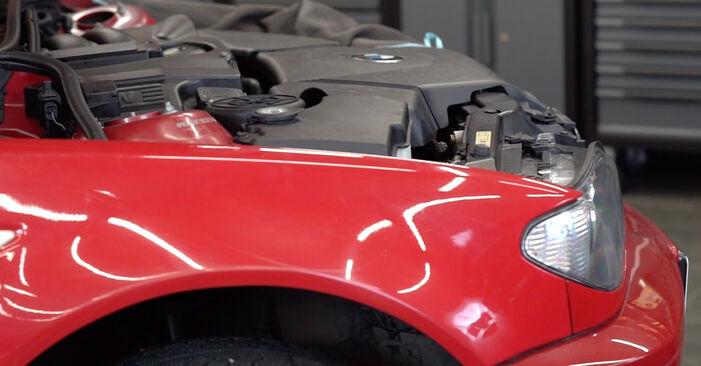 Wechseln Bremsschläuche am BMW 3 Cabrio (E46) 318Ci 2.0 2001 selber