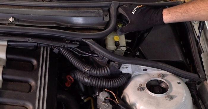 Comment changer Plaquettes de Frein sur BMW 3 Touring (E46) 1998 - Manuels PDF et vidéo gratuits