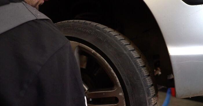 Wie schwer ist es, selbst zu reparieren: Motorlager BMW 3 Touring (E46) 330xd 2.9 2004 Tausch - Downloaden Sie sich illustrierte Anleitungen