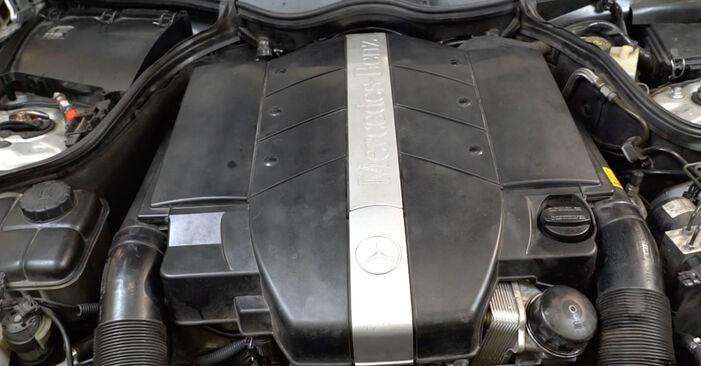 Mercedes W203 C 180 1.8 Kompressor (203.046) 2002 Sonde Lambda remplacement : manuels d'atelier gratuits