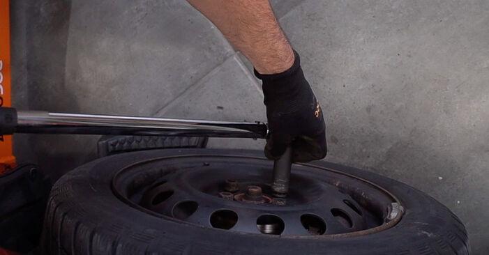 Wie schwer ist es, selbst zu reparieren: Bremsbeläge Toyota Aygo ab1 1 2011 Tausch - Downloaden Sie sich illustrierte Anleitungen