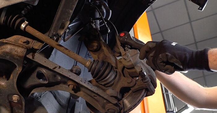 Bremsbeläge beim TOYOTA AYGO 1.4 HDi 2012 selber erneuern - DIY-Manual