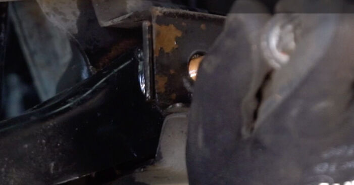 Changing Control Arm on TOYOTA AYGO (WNB1_, KGB1_) 1 2008 by yourself