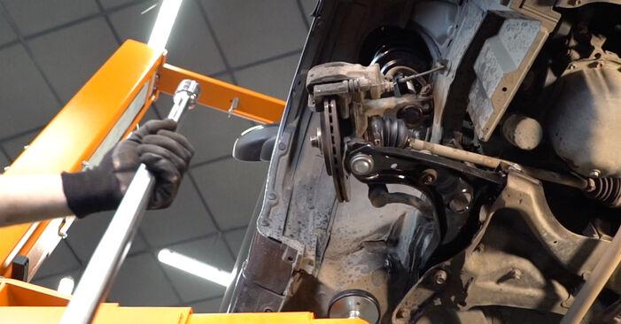 AYGO (WNB1_, KGB1_) 1.4 HDi 2006 Control Arm DIY replacement workshop manual