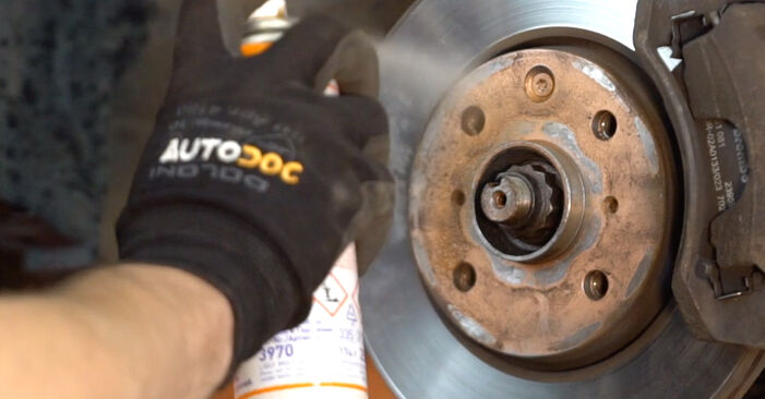 DIY replacement of Control Arm on TOYOTA AYGO (WNB1_, KGB1_) 1.0 GPL (KGB10_) 2009 is not an issue anymore with our step-by-step tutorial