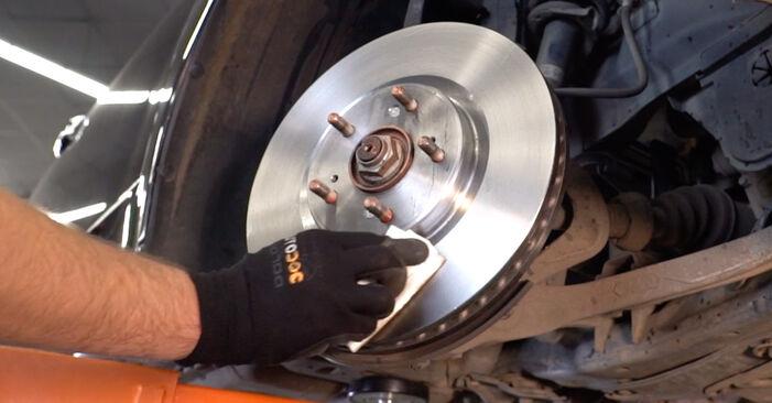 Bremsscheiben am HONDA ACCORD VIII (CU) 2.0 i (CU1) 2013 wechseln – Laden Sie sich PDF-Handbücher und Videoanleitungen herunter