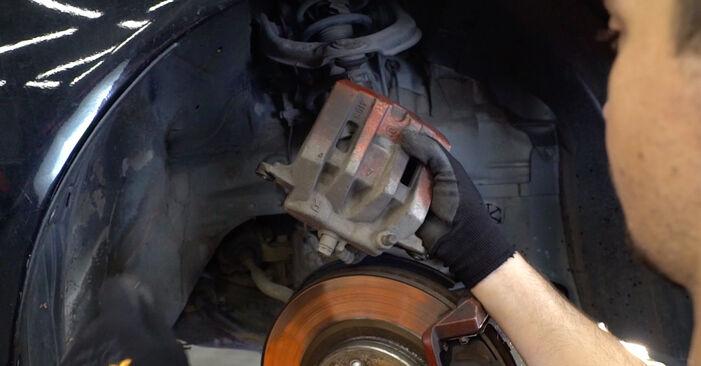 HONDA ACCORD 2.4 i Bremsbeläge ausbauen: Anweisungen und Video-Tutorials online