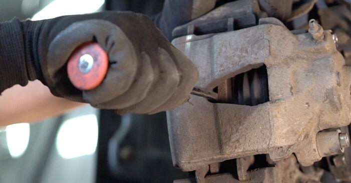 Svépomocná výměna Brzdovy kotouc na autě Skoda Fabia 6y5 1999 1.4 16V
