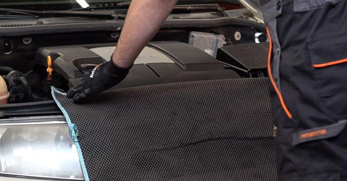 Jak wymienić SKODA Fabia I Combi (6Y5) 1.4 16V 2000 Cewka zapłonowa - instrukcje krok po kroku i filmiki instruktażowe