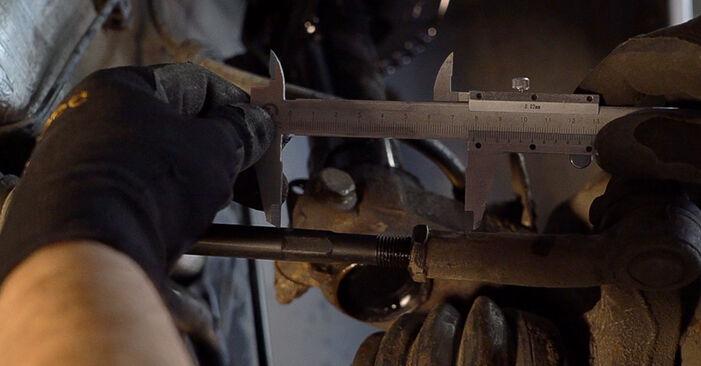 Wie schwer ist es, selbst zu reparieren: Spurstangenkopf Skoda Fabia 6y5 1.4 16V 2005 Tausch - Downloaden Sie sich illustrierte Anleitungen