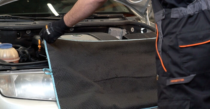 Como substituir SKODA Fabia I Combi (6Y5) 1.4 16V 2000 Apoios de Motor - manuais e guias de vídeo passo a passo