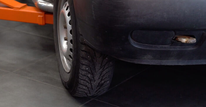 Ersetzen Sie Motorlager am VW Transporter IV Bus (70B, 70C, 7DB, 7DK, 70J, 70K, 7DC, 7DJ) 2.5 1993 selber