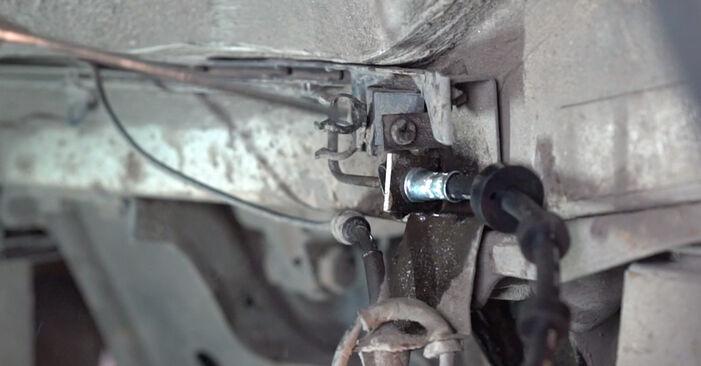 Wie VW TRANSPORTER 2.5 TDI Syncro 1994 Bremsschläuche ausbauen - Einfach zu verstehende Anleitungen online
