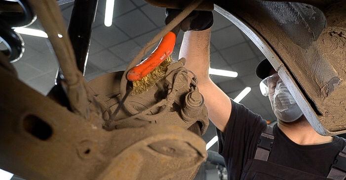 VITO Bus (638) 108 D 2.3 (638.164) 1999 Brake Pads DIY replacement workshop manual