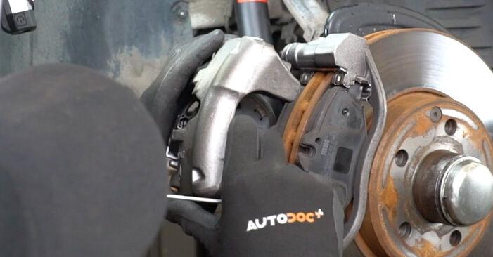 E-Class Saloon (W211) E 280 CDI 3.0 (211.020) 2005 Brake Pad Wear Sensor DIY replacement workshop manual