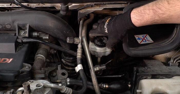 Wie Bremsscheiben Mercedes W638 Bus 112 CDI 2.2 (638.194) 1996 tauschen - Kostenlose PDF- und Videoanleitungen