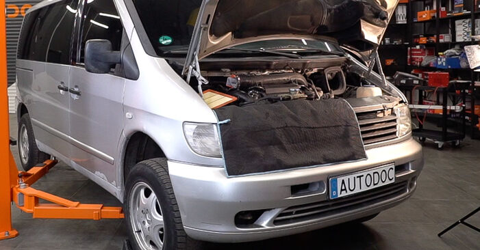Changing Brake Discs on MERCEDES-BENZ VITO Bus (638) 110 CDI 2.2 (638.194) 1999 by yourself