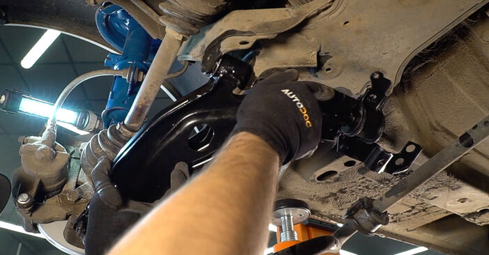 How to remove FIAT DOBLO 1.3 JTD 16V 2005 Control Arm - online easy-to-follow instructions